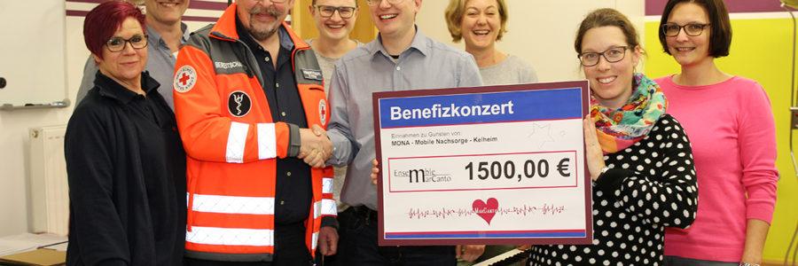 Benefizkonzert: Spendenübergabe an MoNa